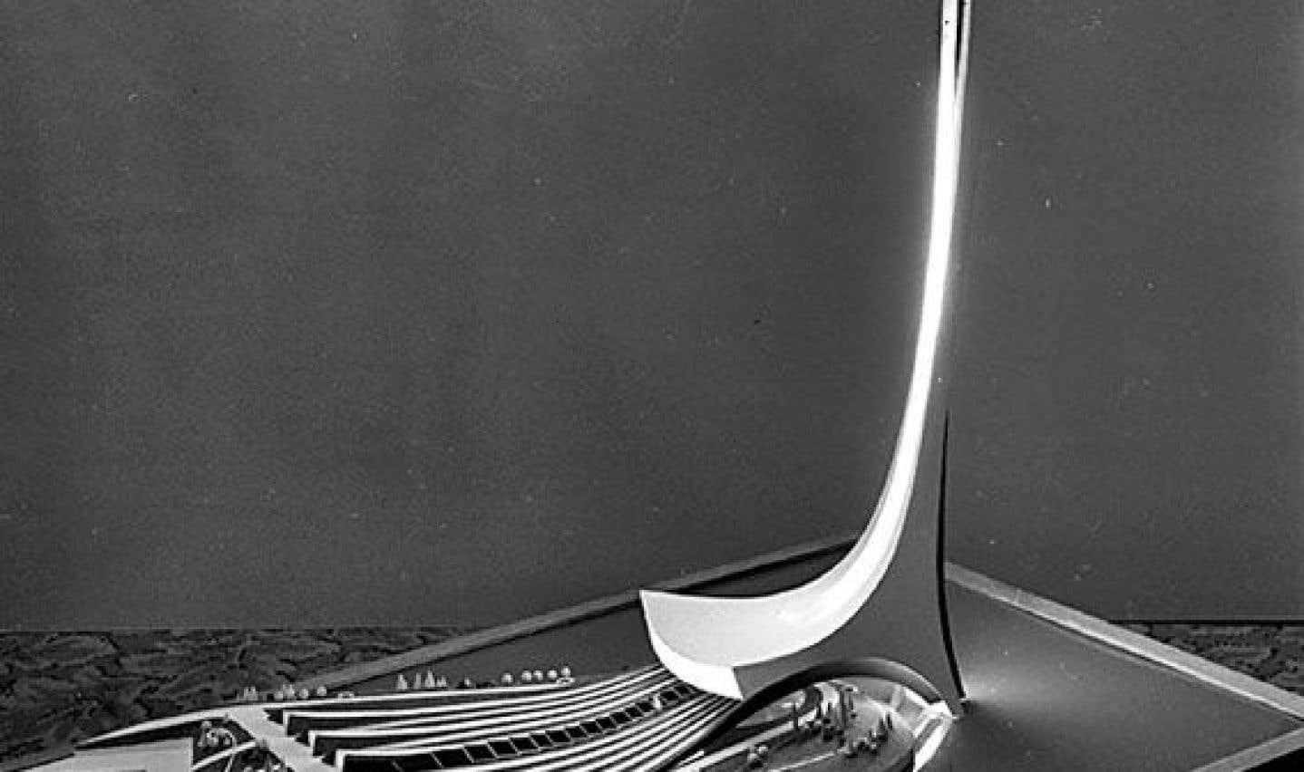 Maquette de la tour rêvée par Jean Drapeau