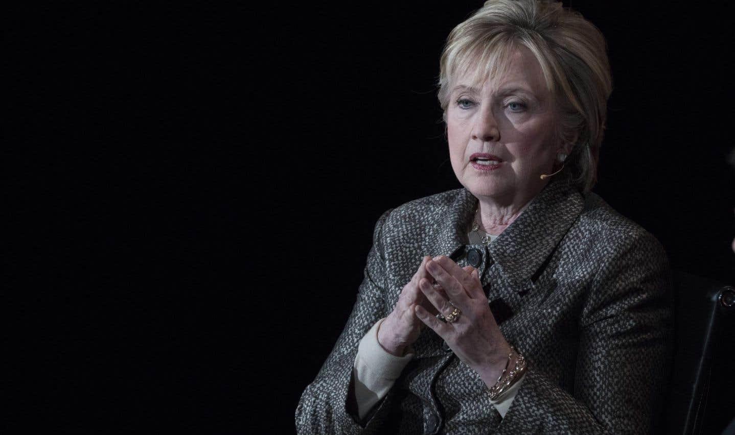 «Je serais présidente» sans les piratages et le FBI, dit Hillary Clinton