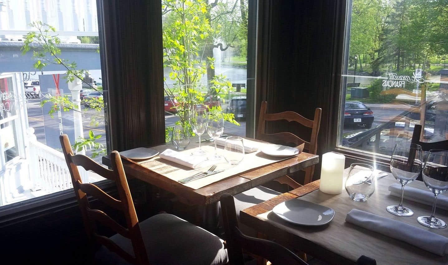 Le maudit Français, une belle table dans le Vieux-Terrebonne