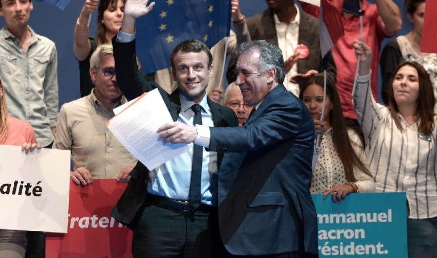 Premières tensions pour le président Macron, avant sa prise de fonctions