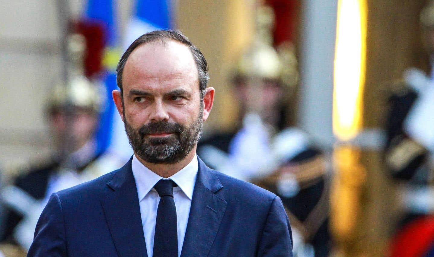 Emmanuel Macron nomme un premier ministre de droite