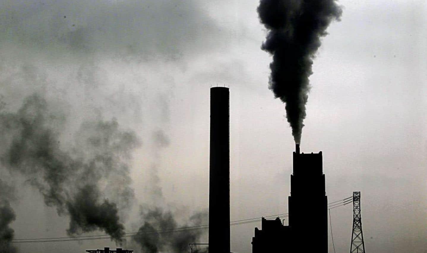 Ottawa détaille sa taxe carbone et épargne le Québec
