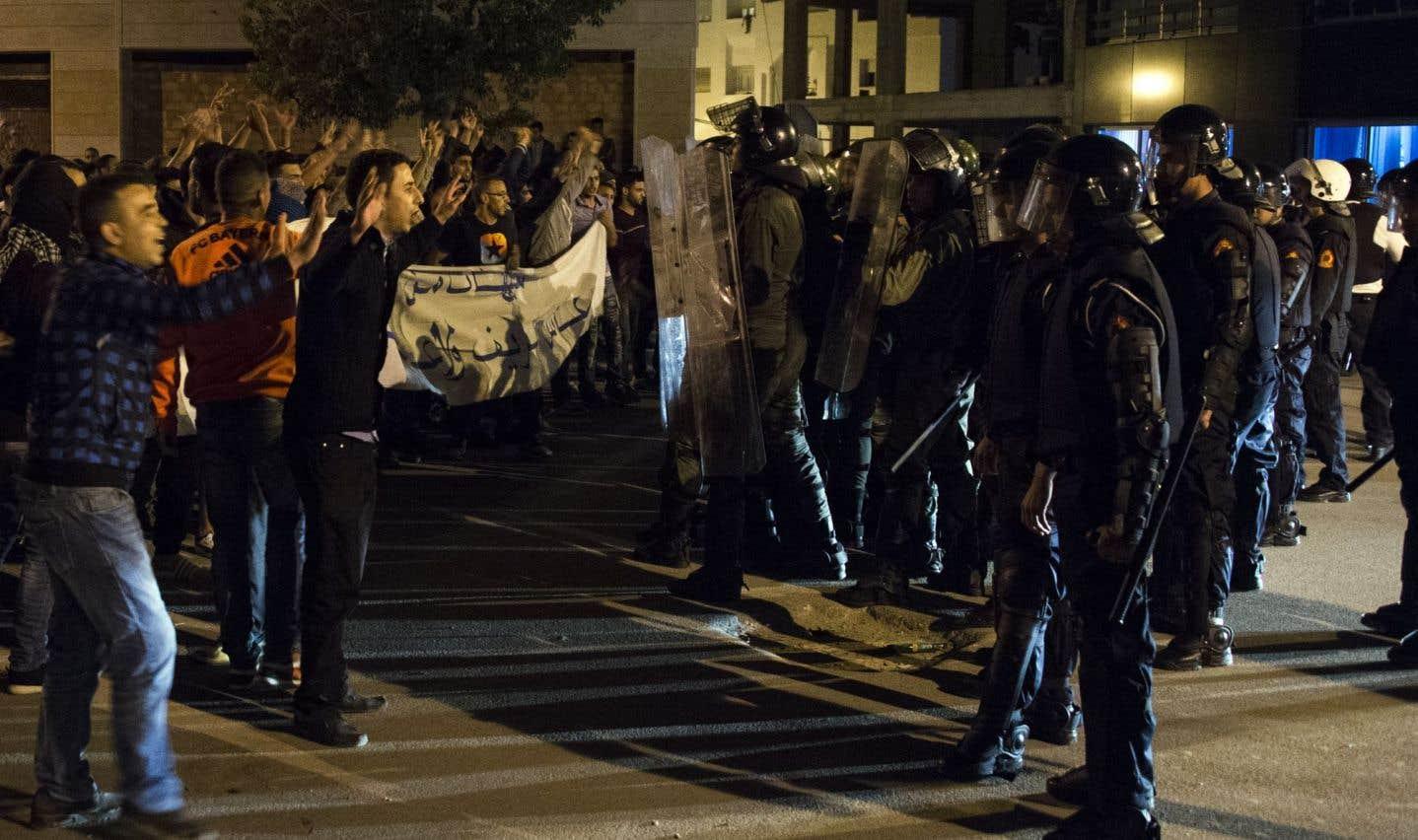 Maroc: affrontements entre policiers et manifestants à Al-Hoceïma