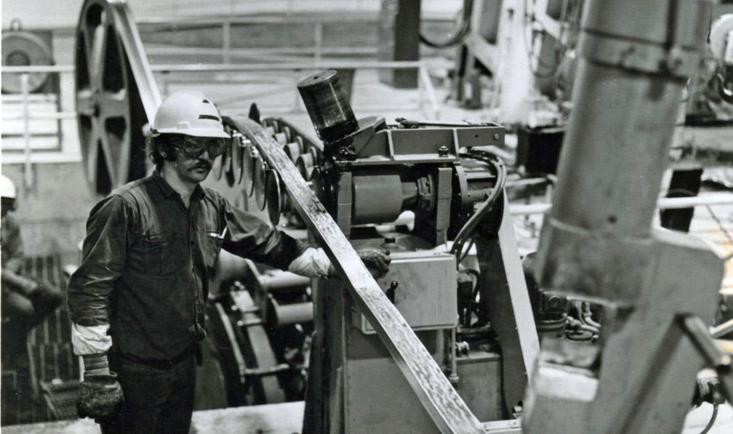 Les belles années du papier et de l'aluminium semblent révolues, alors que les grandes entreprises conservent la mainmise sur les ressources hydrauliques et forestières de la région.