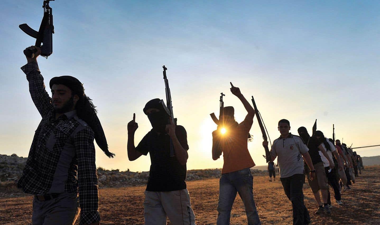 Selon l'historien et politologue Enzo Traverso, l'islamo-fascisme est moins une radicalisation de l'islam qu'une islamisation d'une radicalité aveugle et violente.