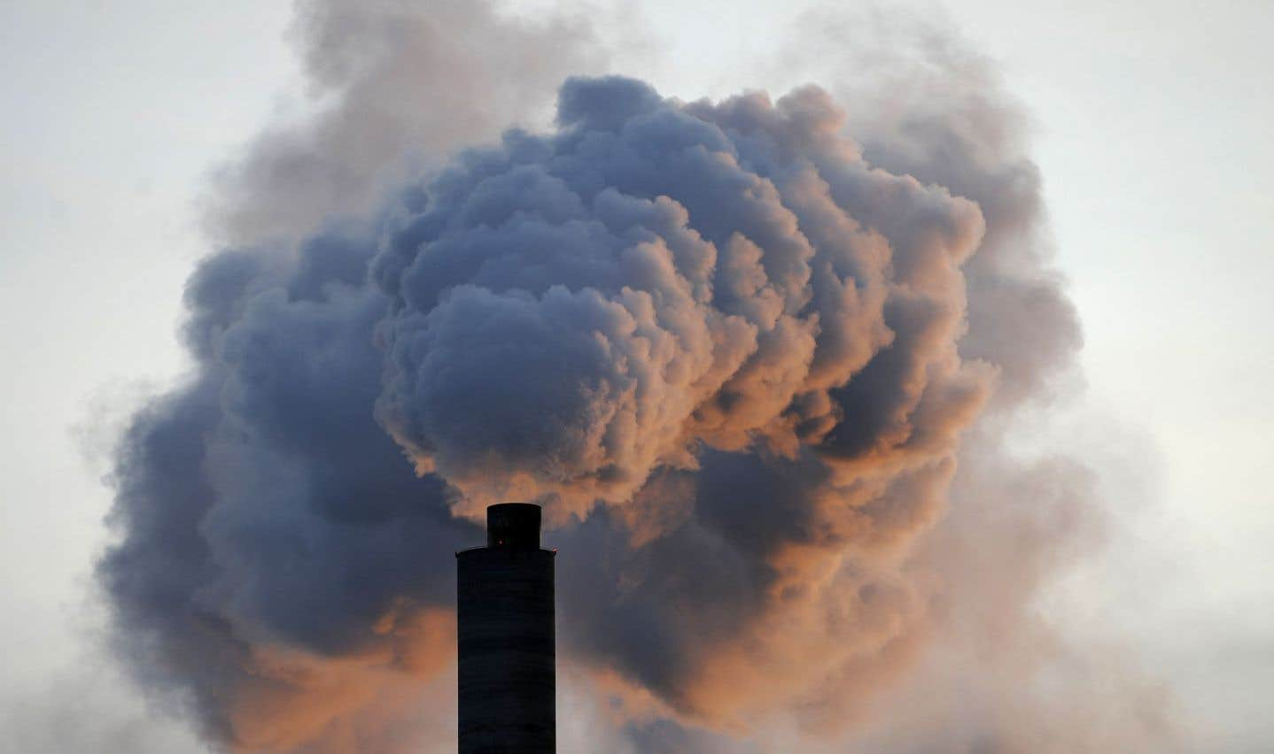 L'appui à la taxe sur le carbone diminue au Canada