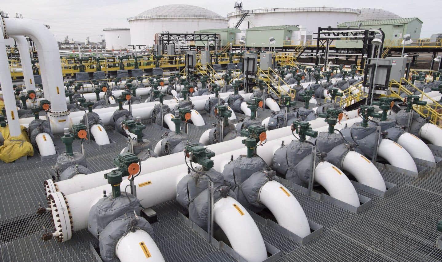 Desjardins finance Trans Mountain avant de décréter un moratoire sur les projets de pipeline