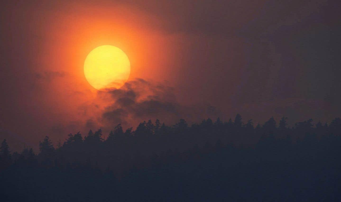 Un répit météorologique pourrait aider à contrôler les incendies en C.-B.