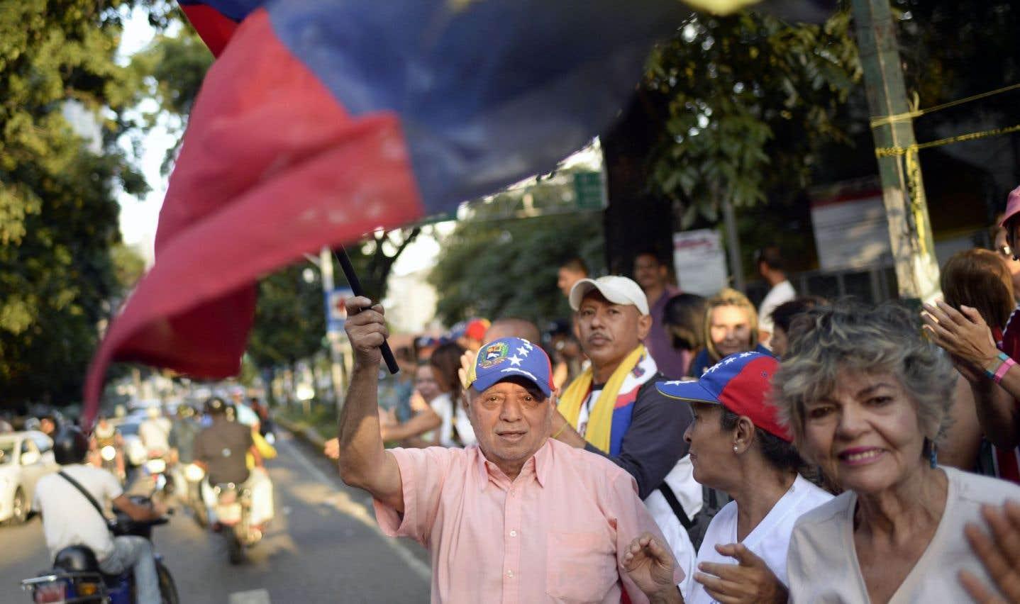 Trump menace le Venezuela de «mesures économiques» fortes et rapides