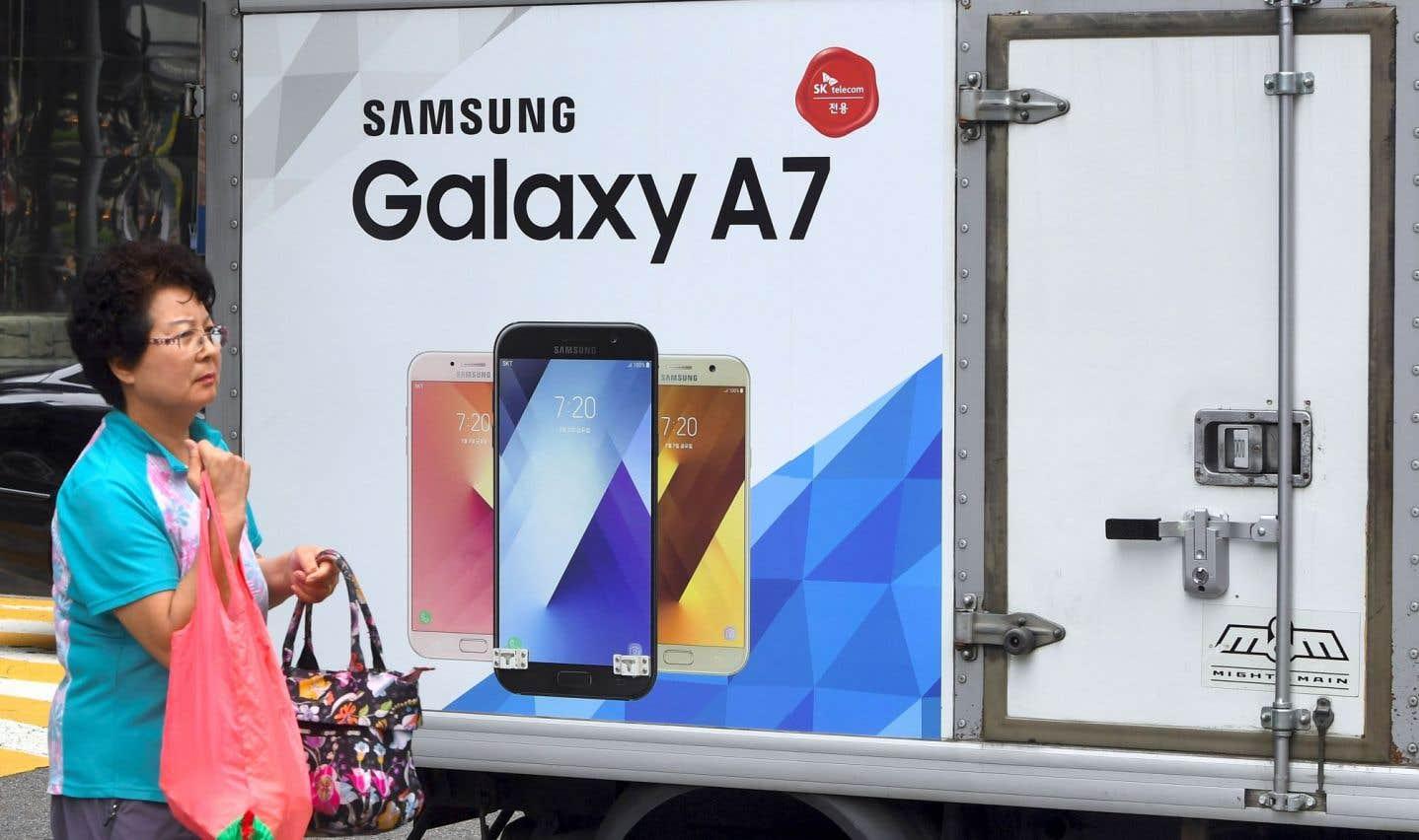 Samsung annonce un bénéfice record, en passe de battre Apple