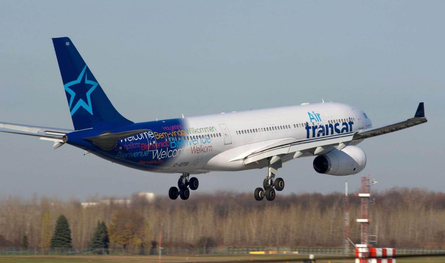 Des passagers d'Air Transat coincés dans des conditions difficiles à Ottawa