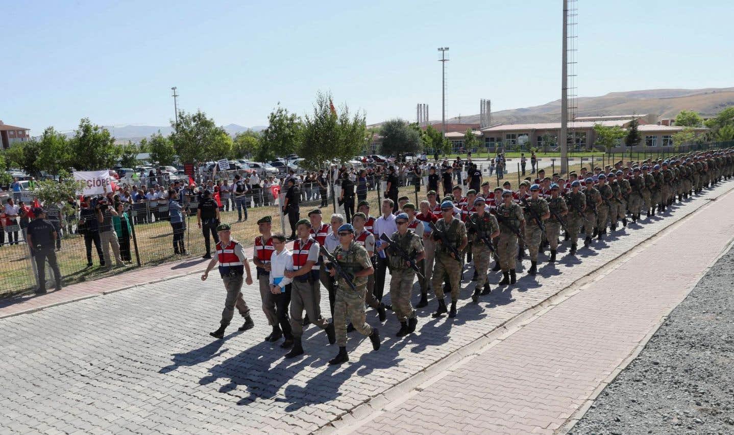 Ouverture du mégaprocès de 500 putschistes présumés en Turquie