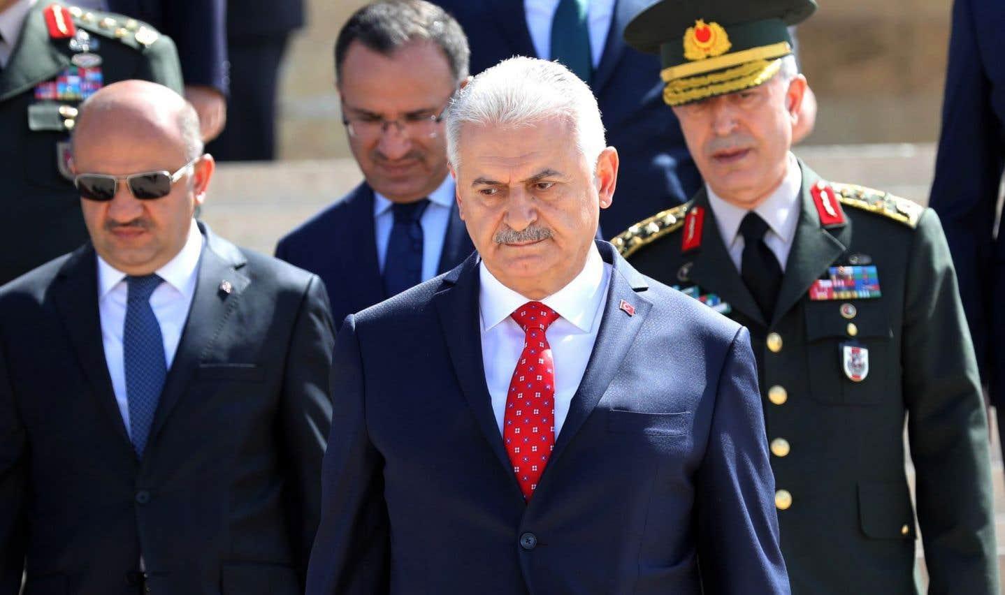 Putsch raté: la Turquie remplace ses chefs d'armées