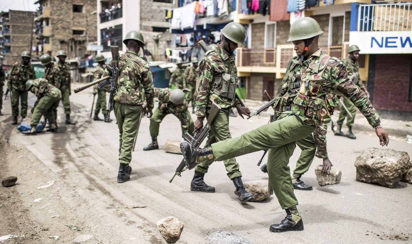 Émeutes et liesse après la réélection du président Kenyatta