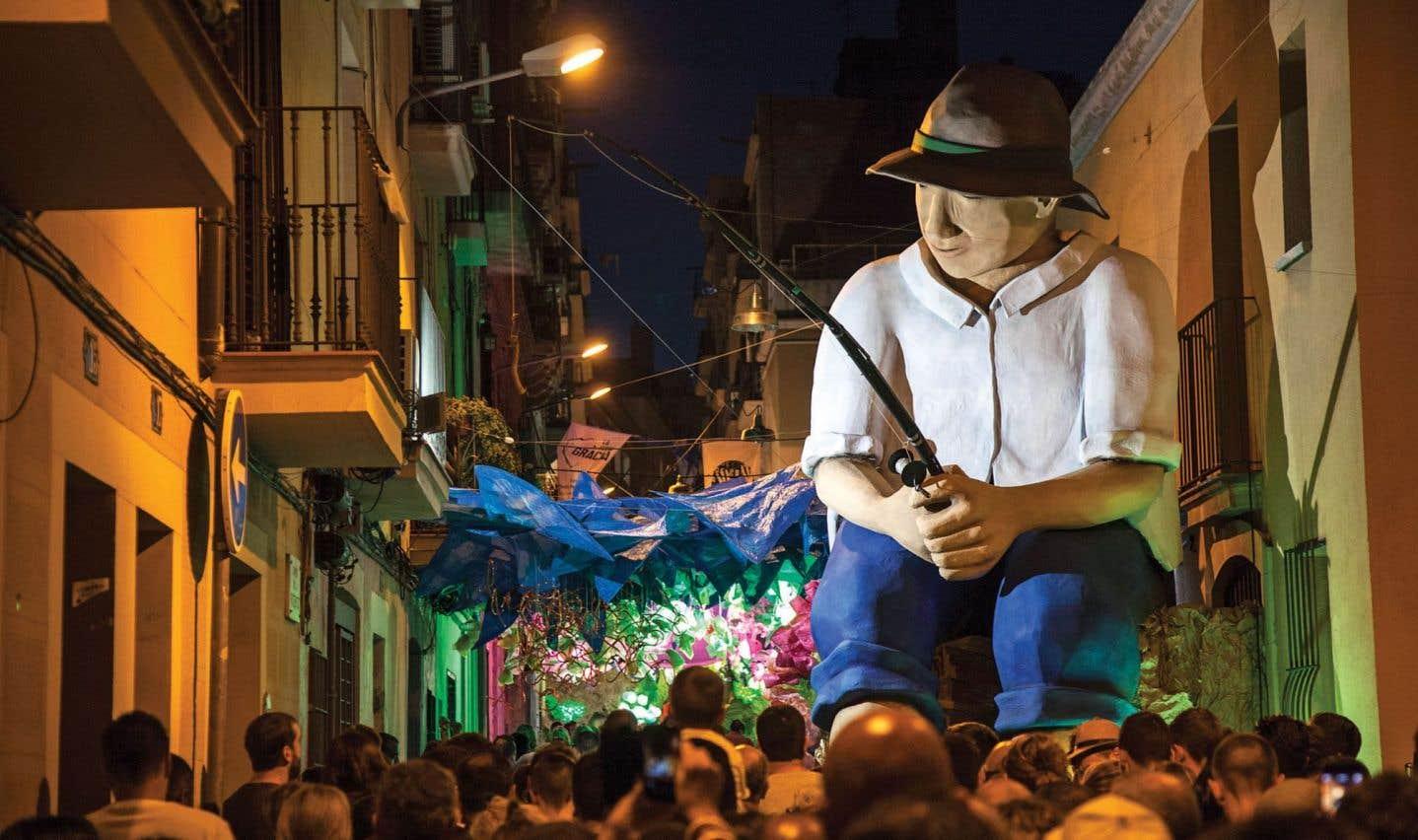 La Festa Major de Gràcia, qui a commencé le 15 août, se déroule jusqu'au 21 août, pour sa 200e édition! C'est la plus importante et la plus spectaculaire fête de quartier de Barcelone.