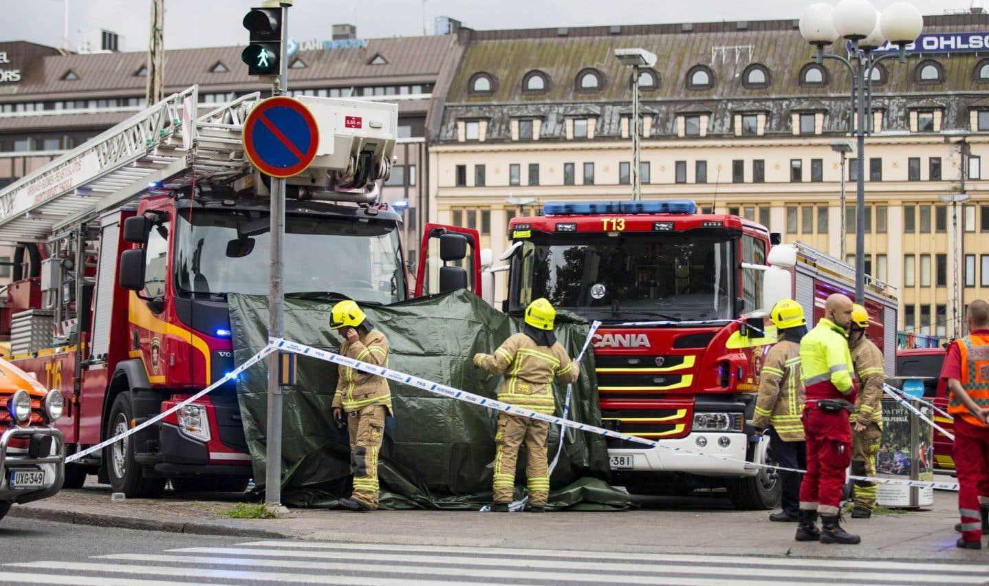 Finlande: deux morts et six blessés poignardés à Turku