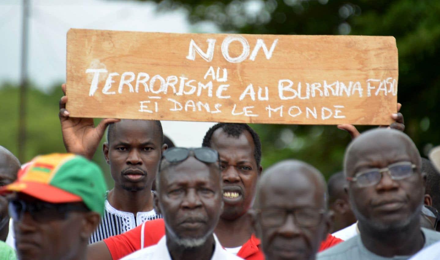Une marche contre le terrorisme s'est tenue le 17 août dernier à Ouagadougou, peu après l'attaque qui a fait 18 morts dans la capitale burkinabée.