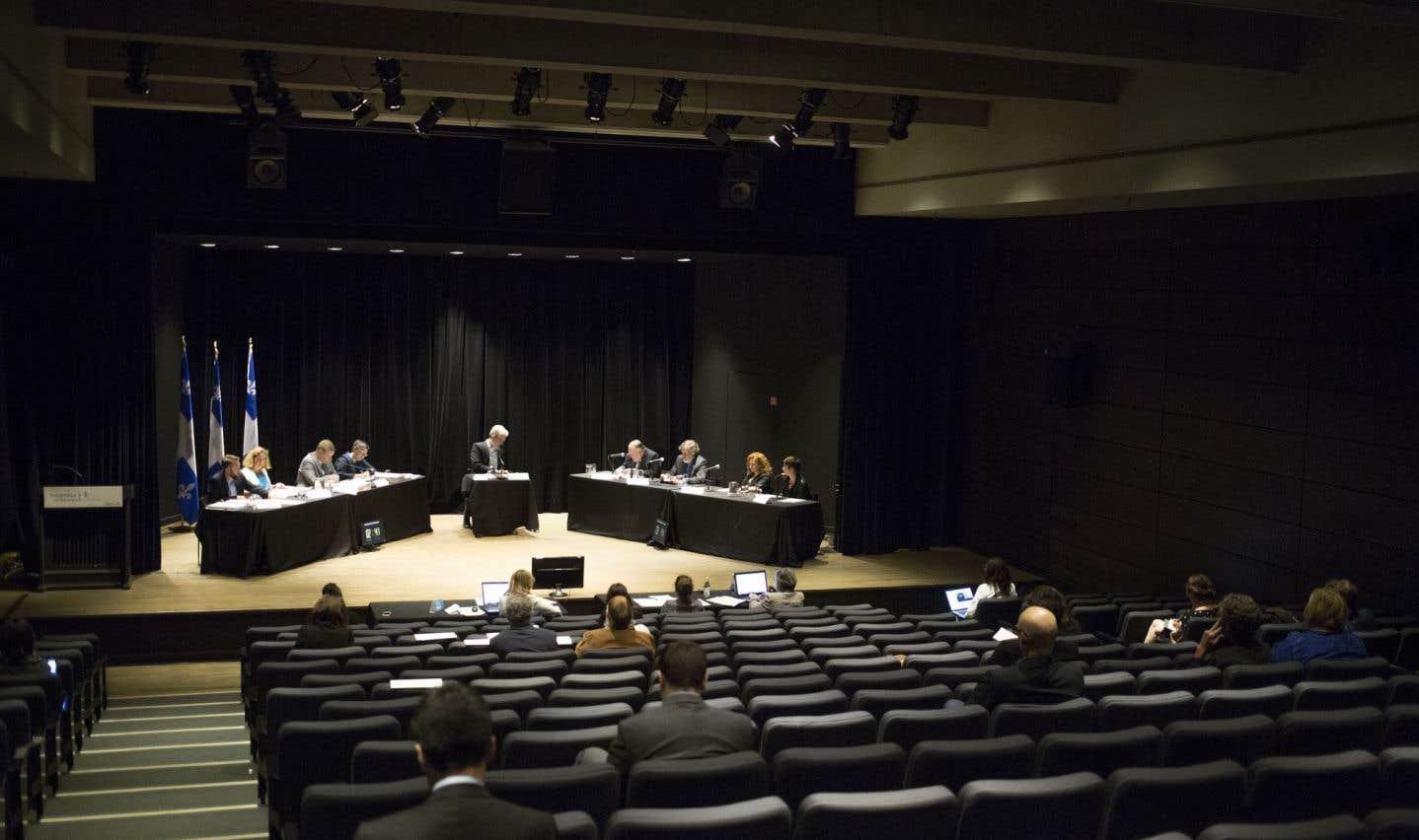 Consultations: le ministre Fortin prêt à bonifier sa politique culturelle