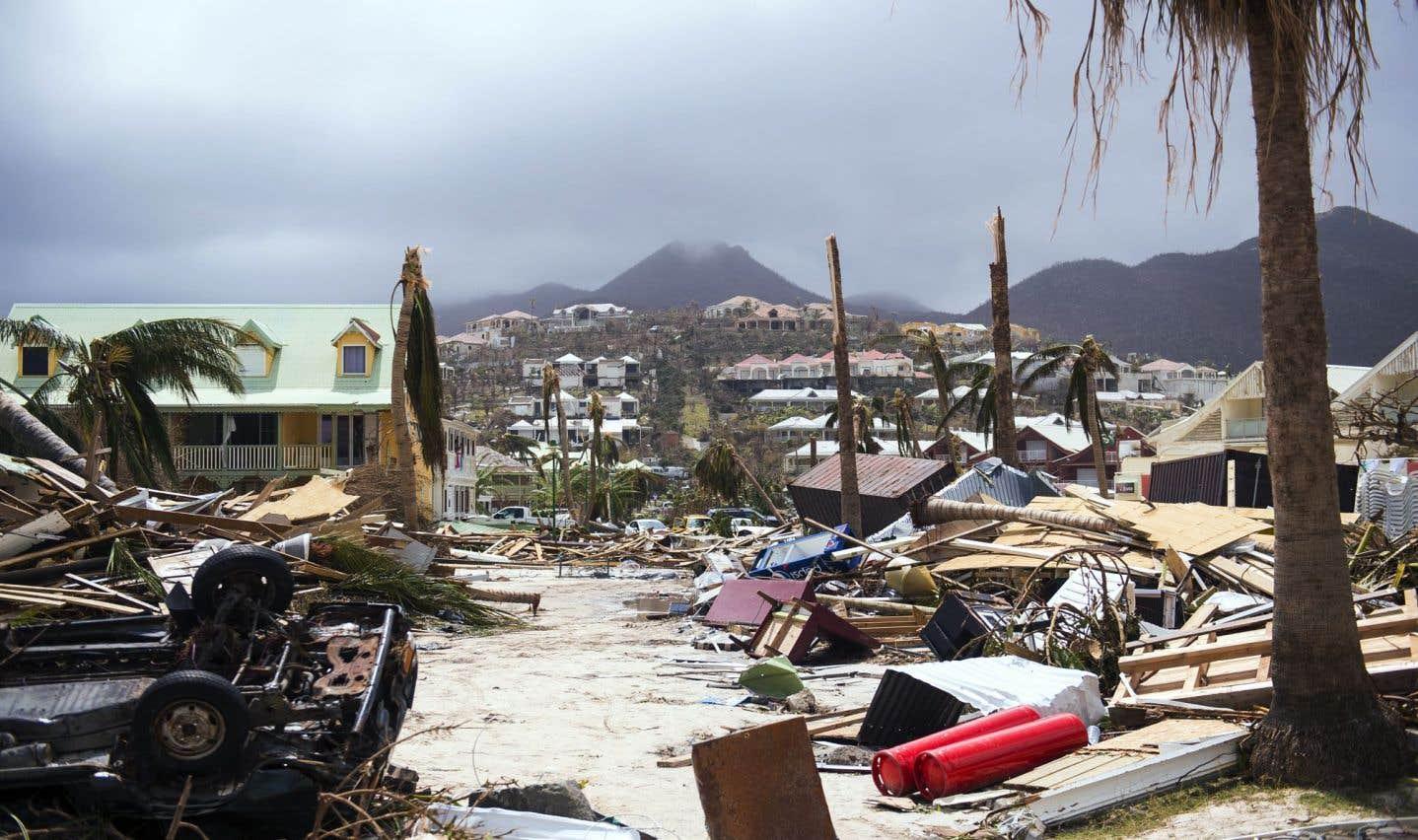 Une photo prise le 7 septembre 2017 montre des dommages à Orient Bay sur l'île de Saint-Martin, après le passage de l'ouragan «Irma».