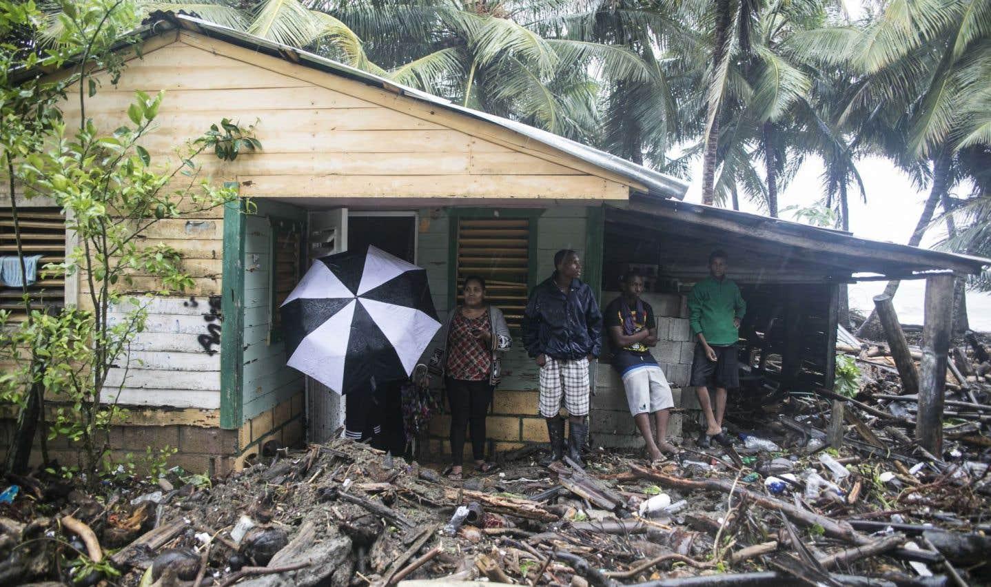 Une maison est entourée de débris apportés par l'ouragan «Irma» à Nagua, en République dominicaine, le jeudi 7 septembre.