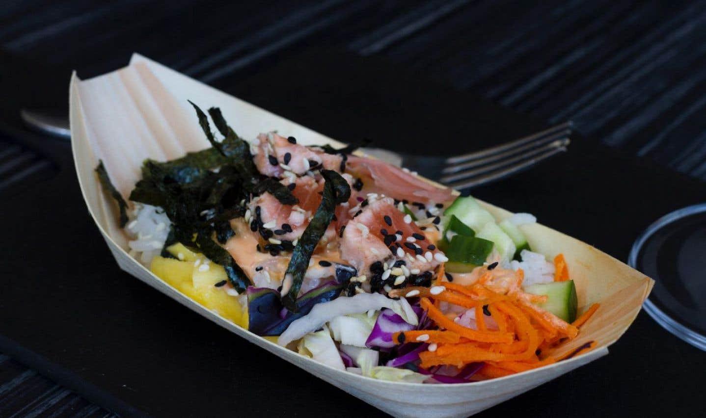La recette du bol Poke au saumon de Kimberly Lallouz