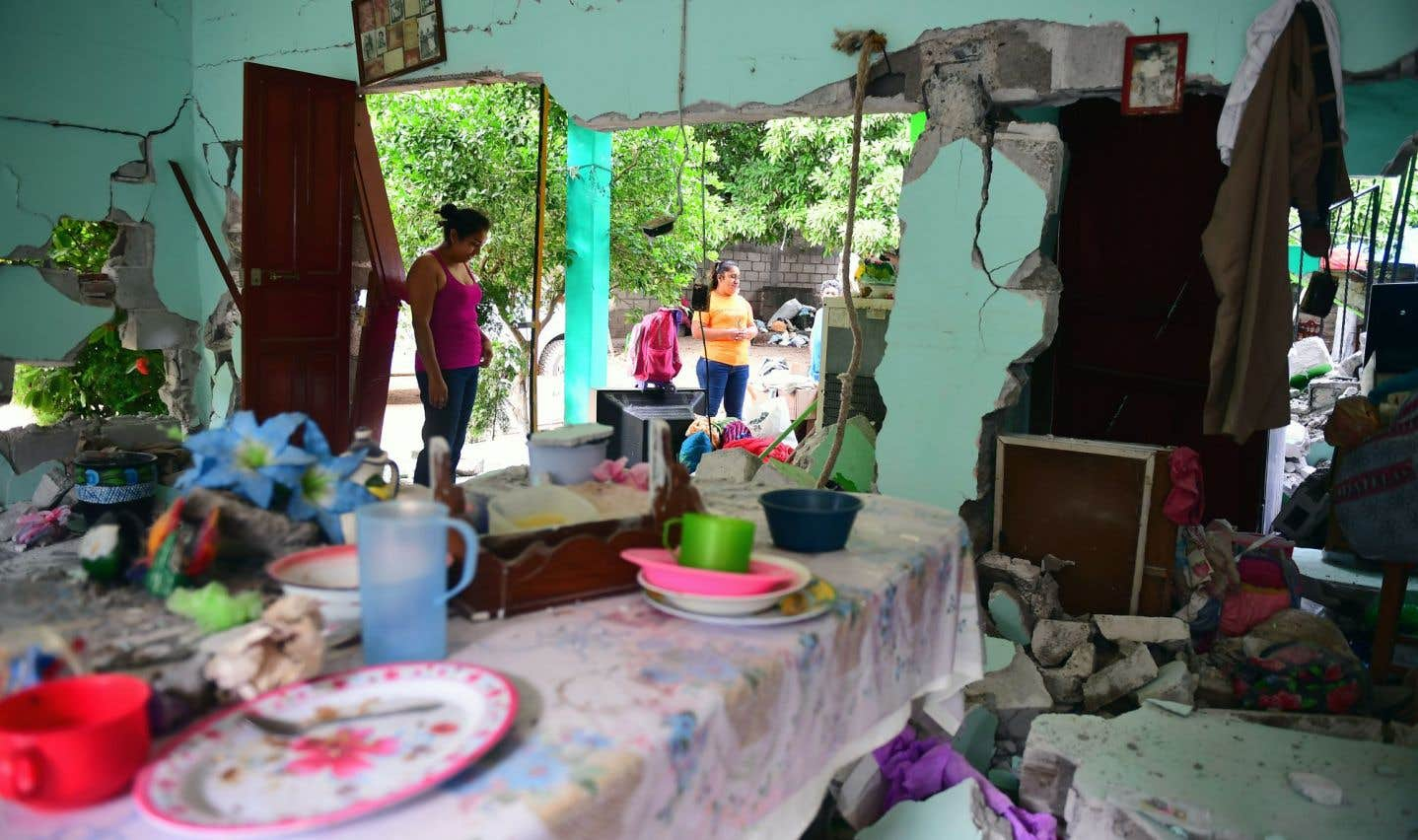 Une maison endommagée après le séisme qui a violemment frappé la ville de Juchitan de Zaragoza
