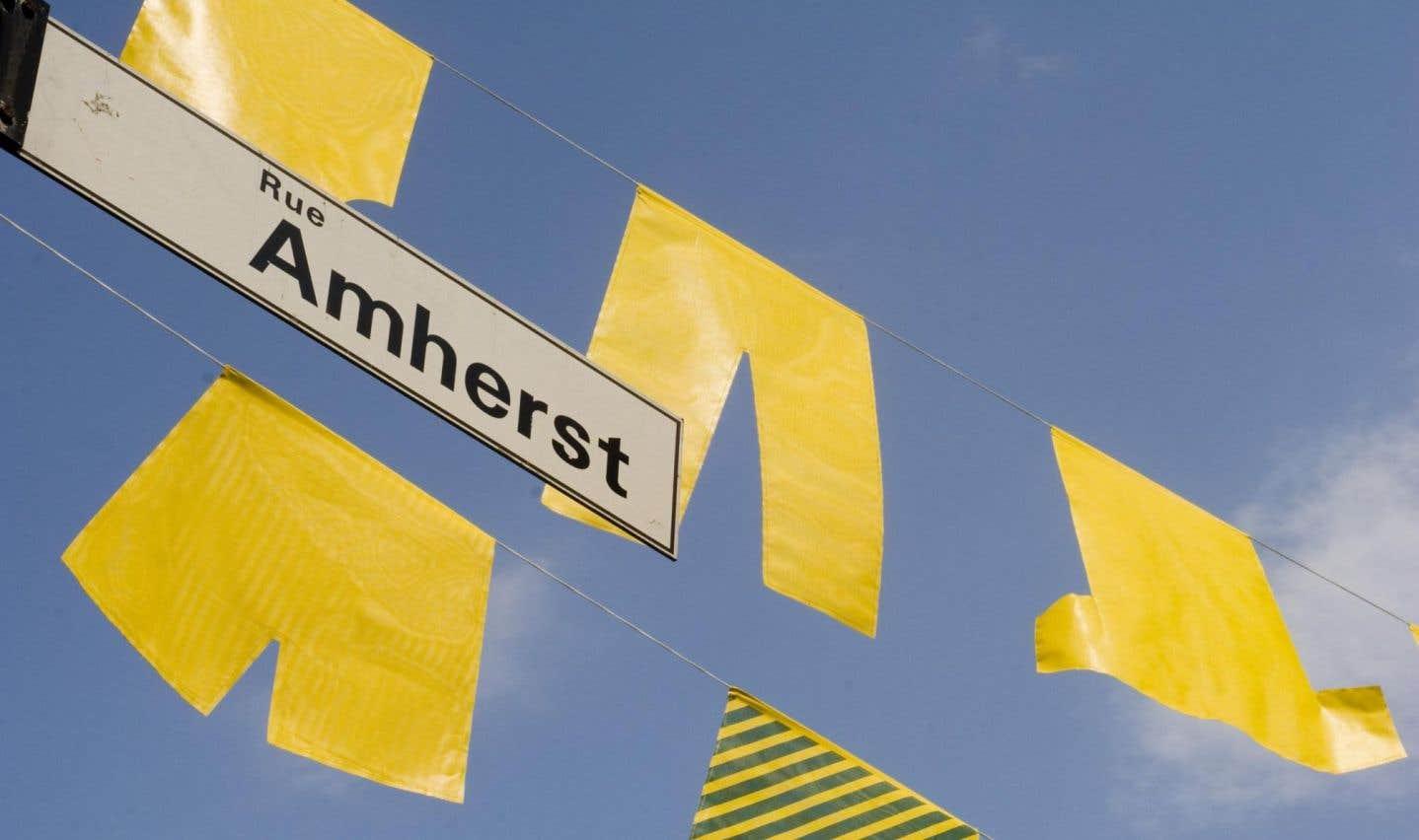 On reproche à Amherst d'avoir voulu inoculer la variole chez les Amérindiens pour les exterminer.