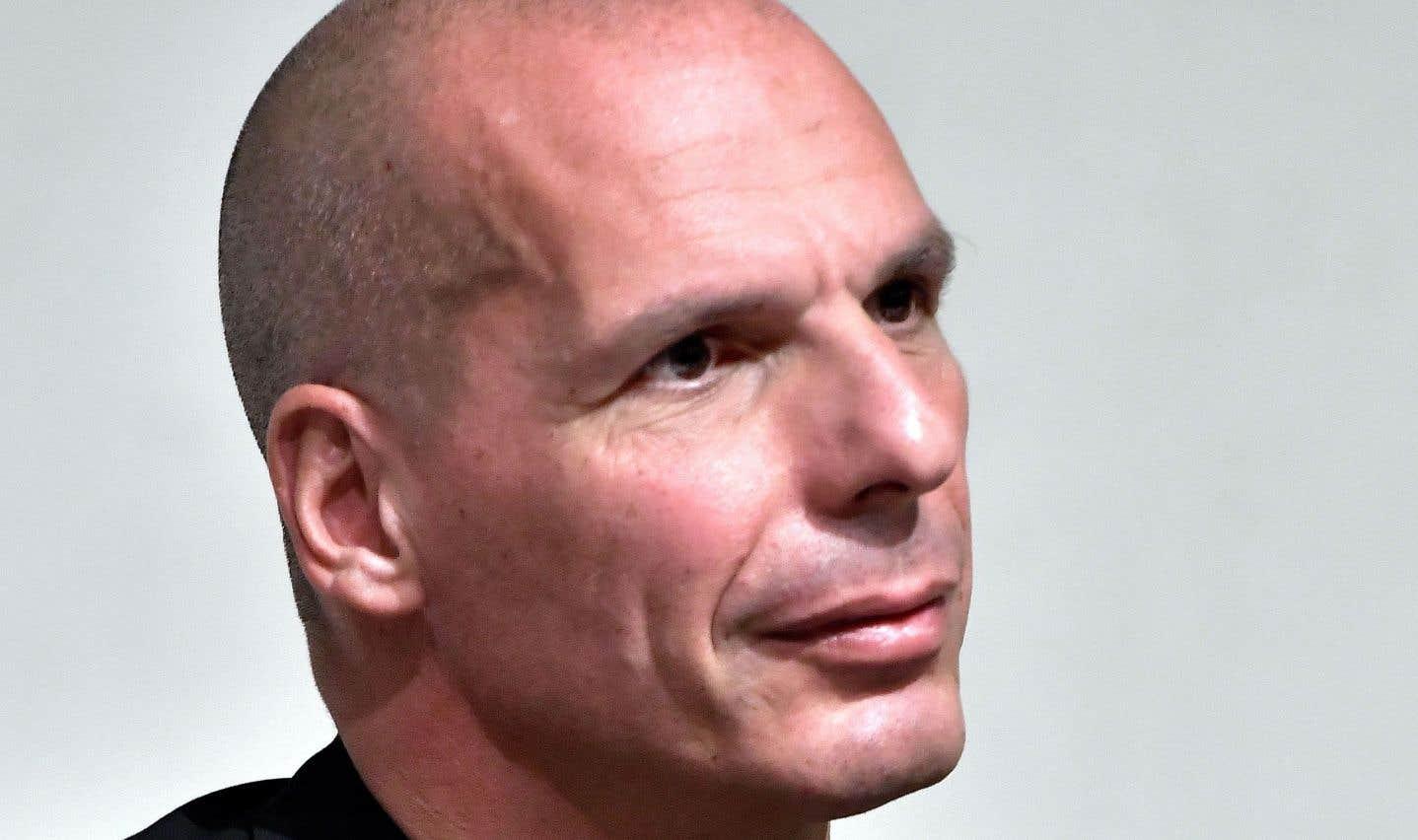 L'ex-ministre des Finances Yánis Varoufákis: l'«outsider» qui a osé briser l'omertà distille ses piques, sans langue de bois.
