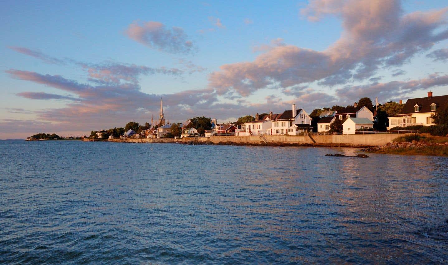 C'est dans le Bas-Saint-Laurent et en Gaspésie qu'on trouve le plus de préfets élus. Sur la photo, on aperçoitla municipalité de Kamouraska.