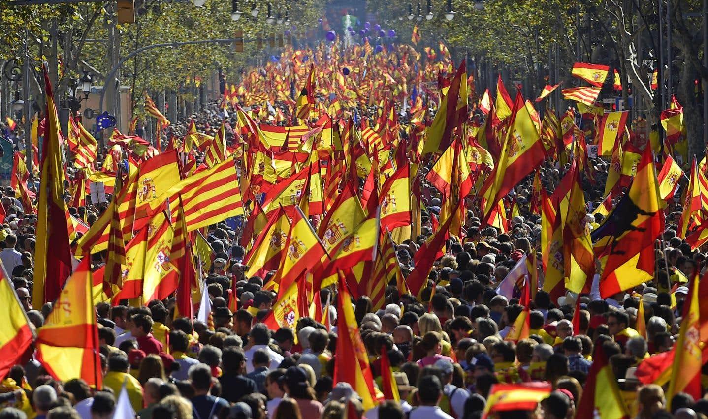 La manifestation a rassemblé, dimanche, environ 300000 personnes, selon la police municipale, 1,1million selon les organisateurs de l'événement.