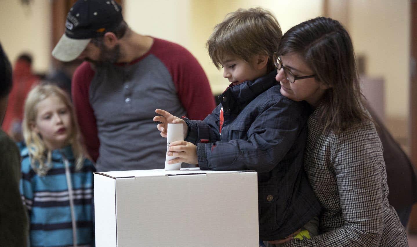 Dimanche soir, le taux de participation final n'avait pas été divulgué pour Montréal. Selon les résultats les plus récents, à 16 h, 31,59 % des électeurs s'étaient rendus aux urnes.