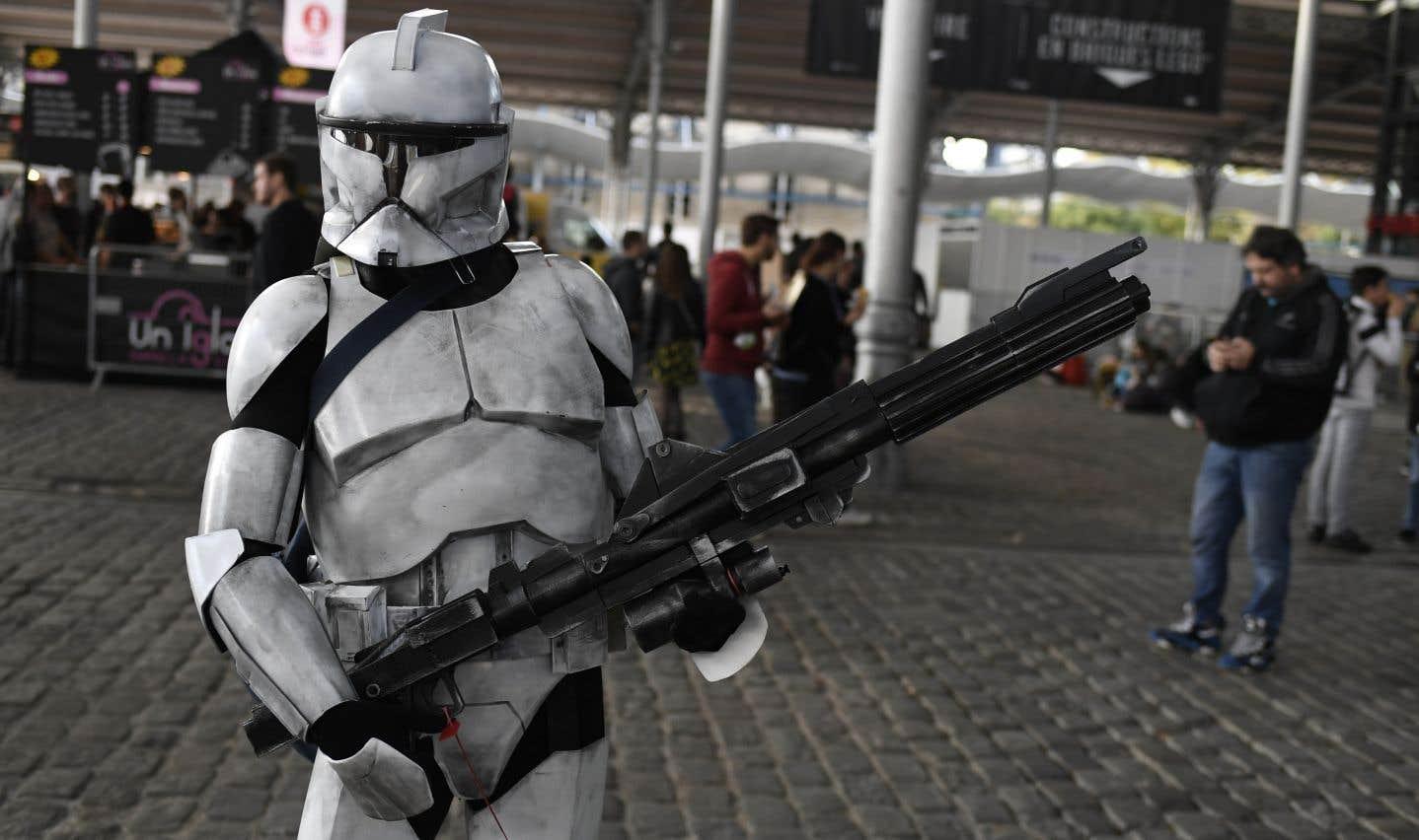 Un homme déguisé en «Stormtrooper» lors du festival Comic Con à la Grande Halle de la Villette à Paris, le 27 octobre dernier