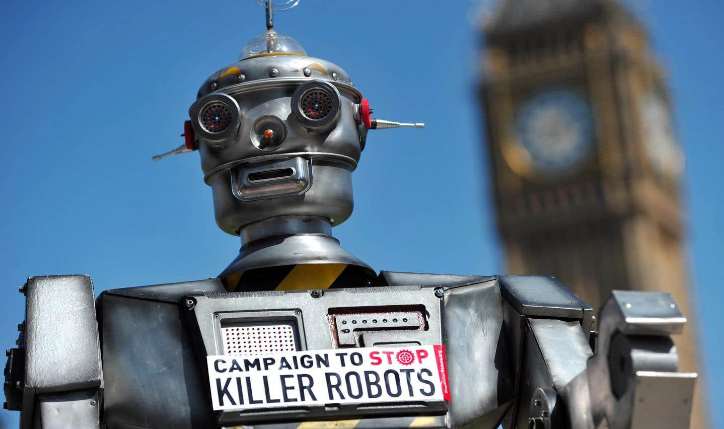 Les partisans d'une interdiction, comme les membres de la campagne Stop Killer Robots («Arrêtons les robots tueurs»), estiment que l'humain doit en dernier ressort rester maître de la décision de tuer.