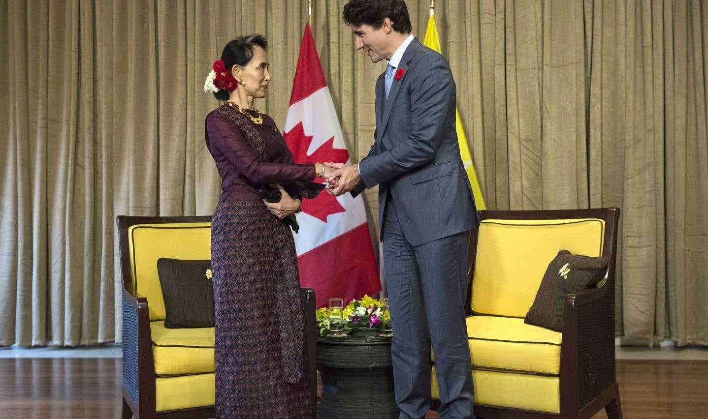 Justin Trudeau a rencontré vendredi la dirigeante de facto du gouvernement civil au Myanmar, Aung San Suu Kyi, en marge du forum de l'APEC, au Vietnam.