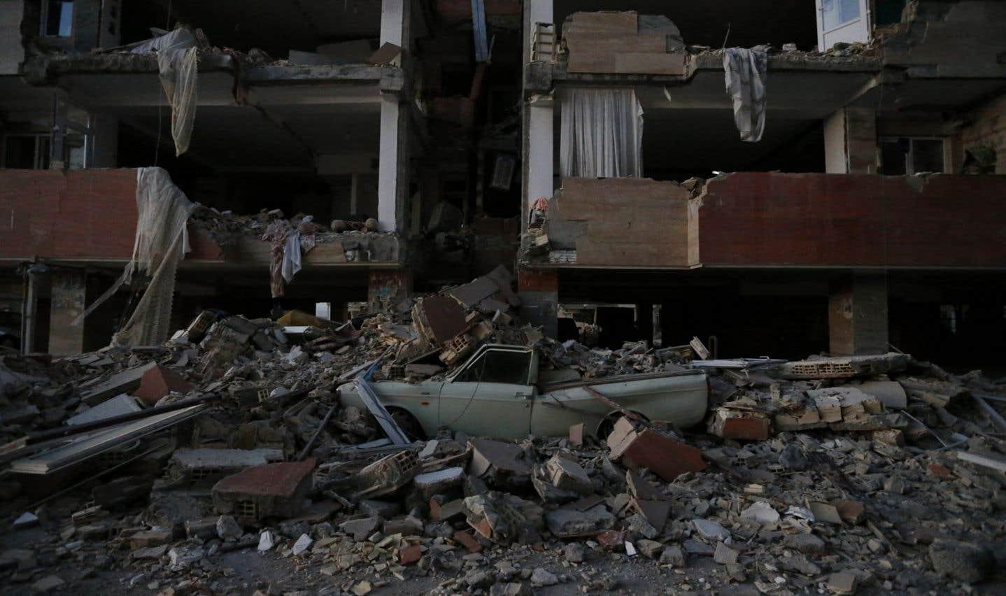 Un violent séisme fait au moins 207 morts en Iran