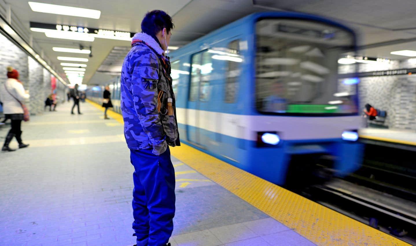 Voyage en métro avec un poète