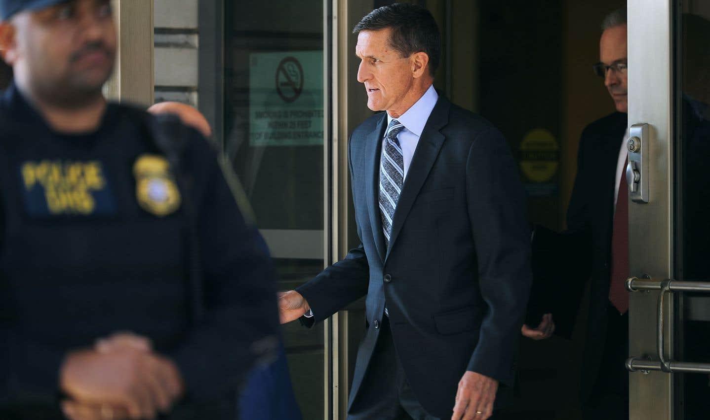Présenté à un juge devant une cour fédérale à Washington, Michael Flynn a reconnu avoir menti au FBI.