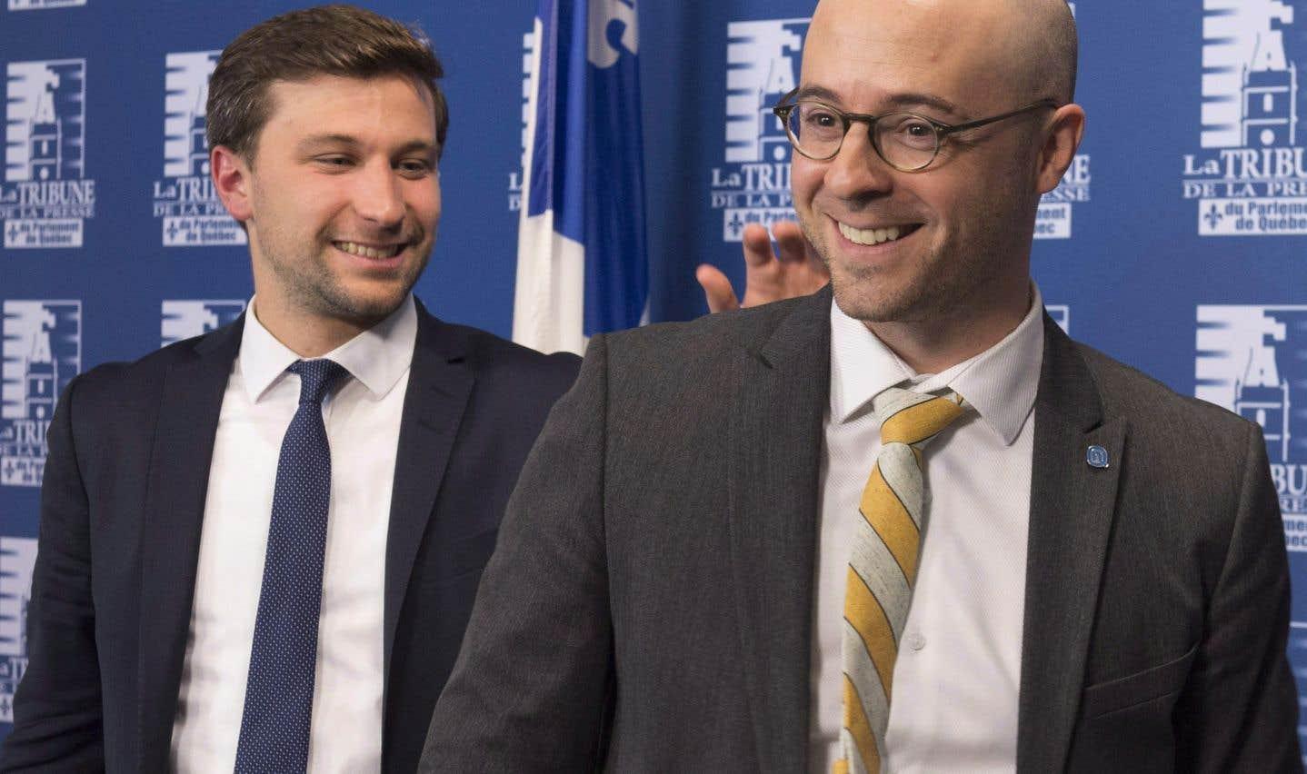 Le porte-parole de Québec solidaire Gabriel Nadeau-Dubois et le chef d'Option nationale, Sol Zanetti