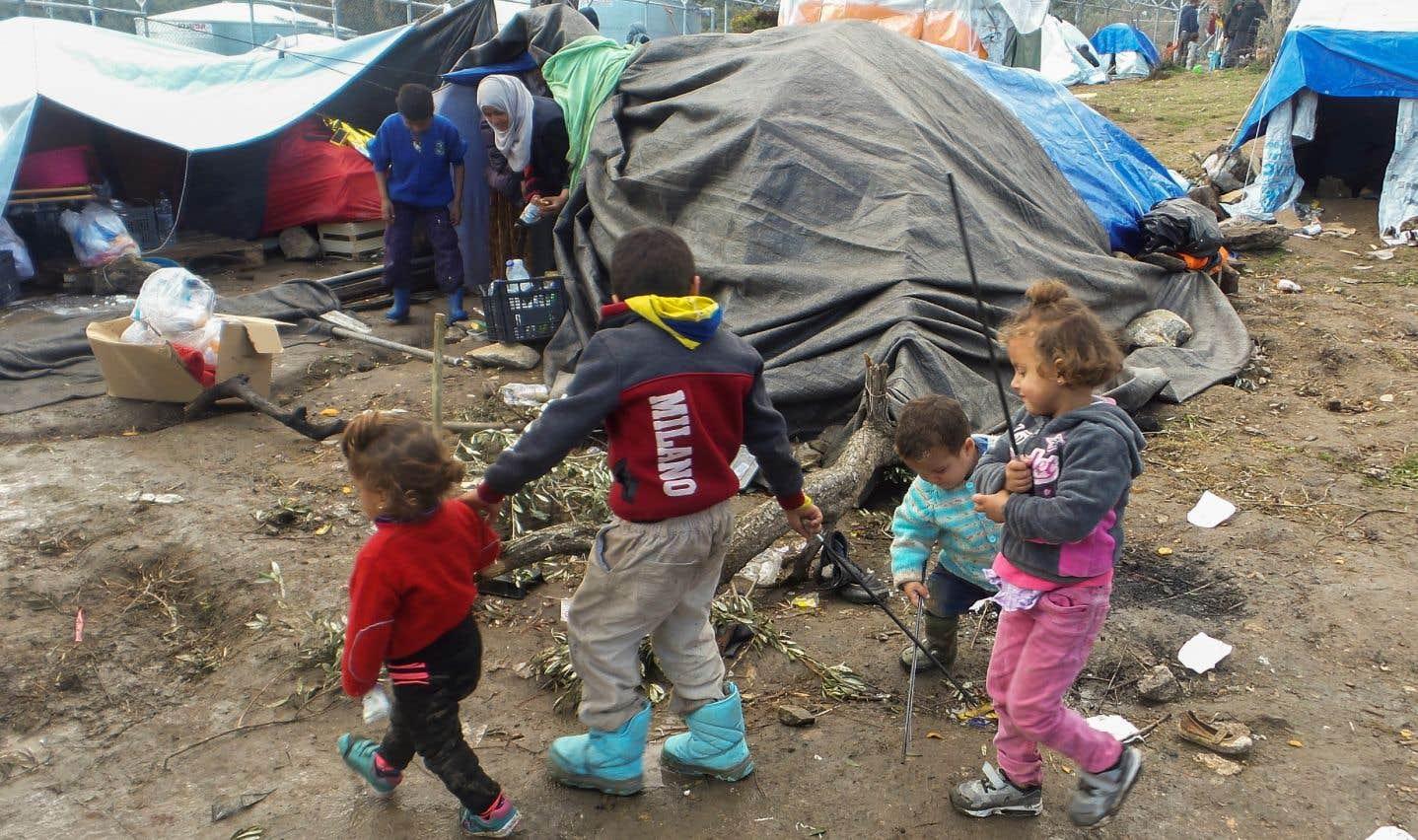La Grèce s'apprête à vider ses îles de milliers de migrants avant l'hiver
