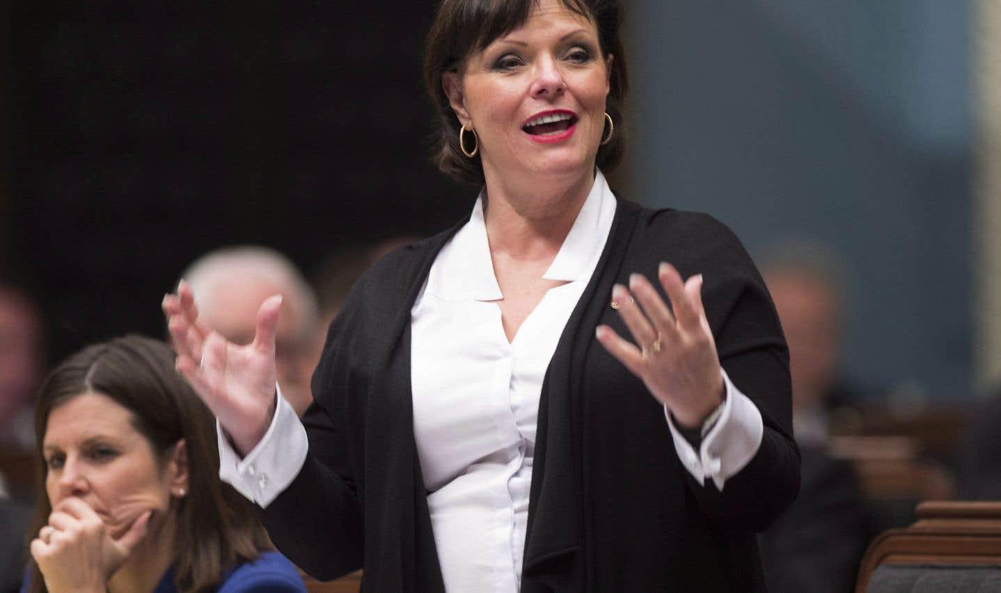 Tabac au théâtre: Québec prône le statu quo