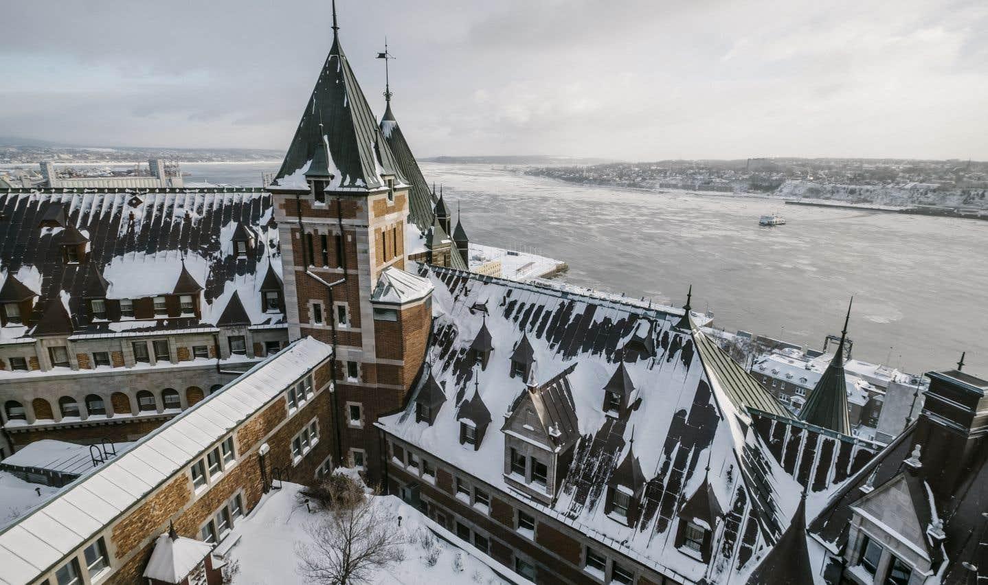 Le Château Frontenac domine le Vieux-Québec depuis son ouverture officielle le 18 décembre 1892.