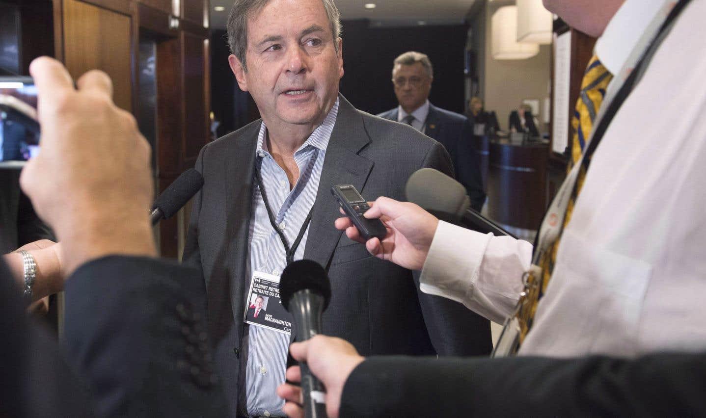 L'ambassadeur canadien David MacNaughton a expliqué que la rhétorique protectionniste du président Trump et d'autres voix aux États-Unis encourage les compagnies américaines à se lancer dans une guérilla commerciale.