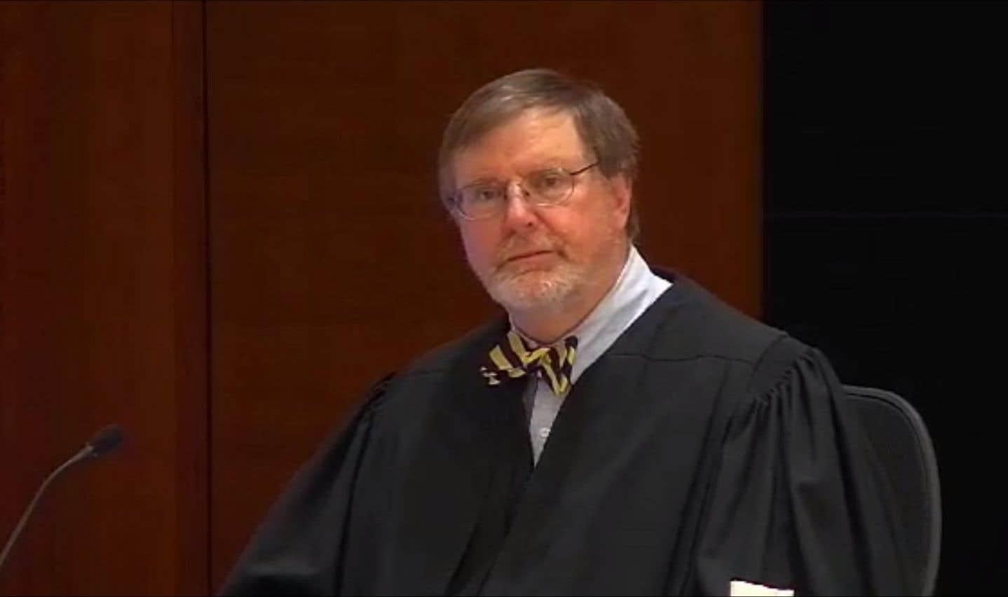 Un juge fédéral annule en partie un décret de Trump sur les réfugiés