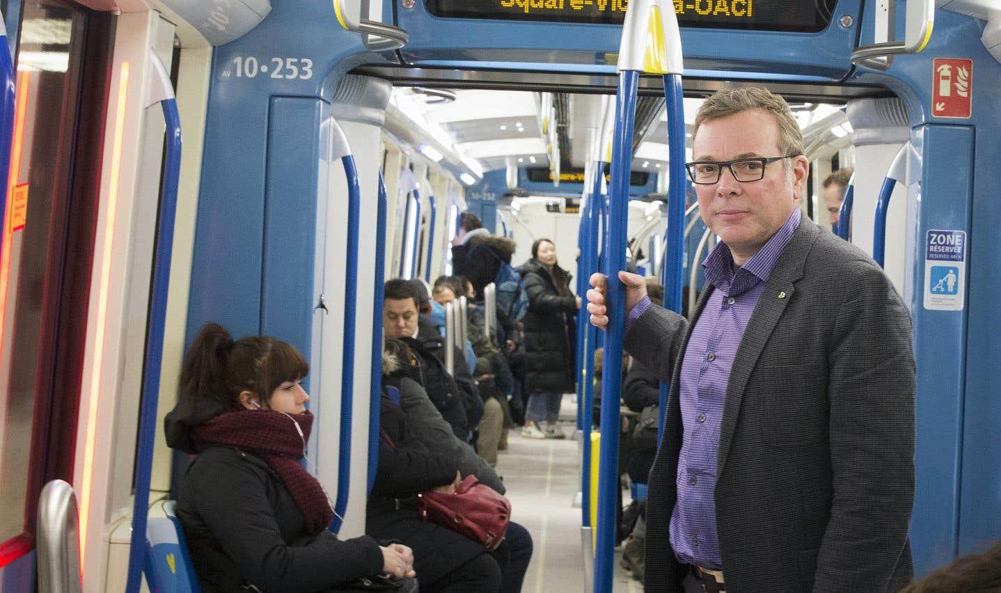 ll faut tout faire pour réduire le nombre d'arrêts de service dans le métro, martèle Philippe Schnobb en entrevue au «Devoir».