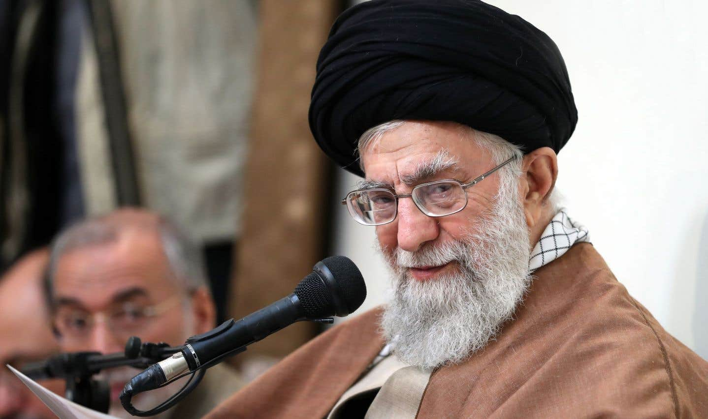 L'ayatollah Ali Khamenei, mardi, à Téhéran