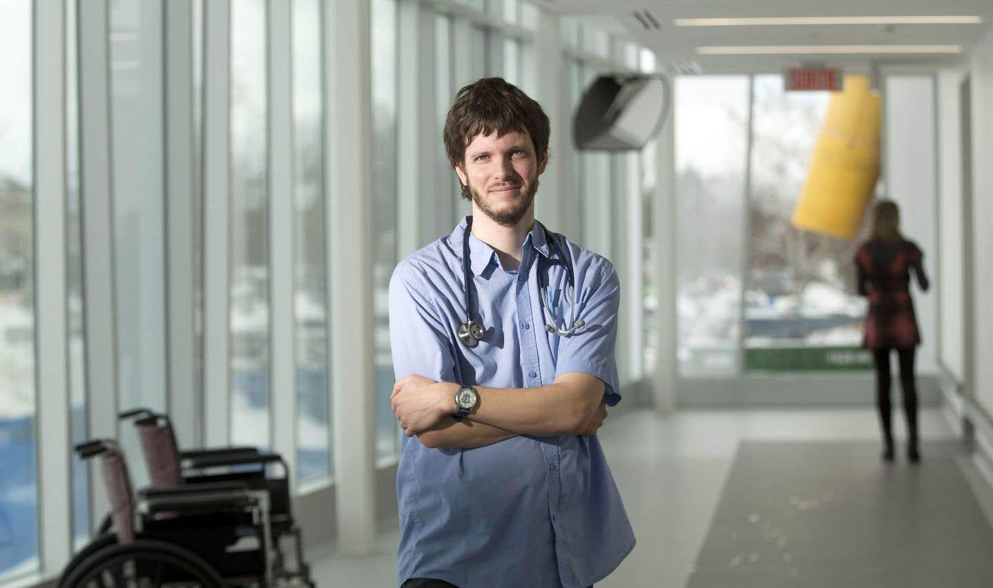 Philippe More intègre volontairement des éléments de vocabulaire médical à des poèmes.