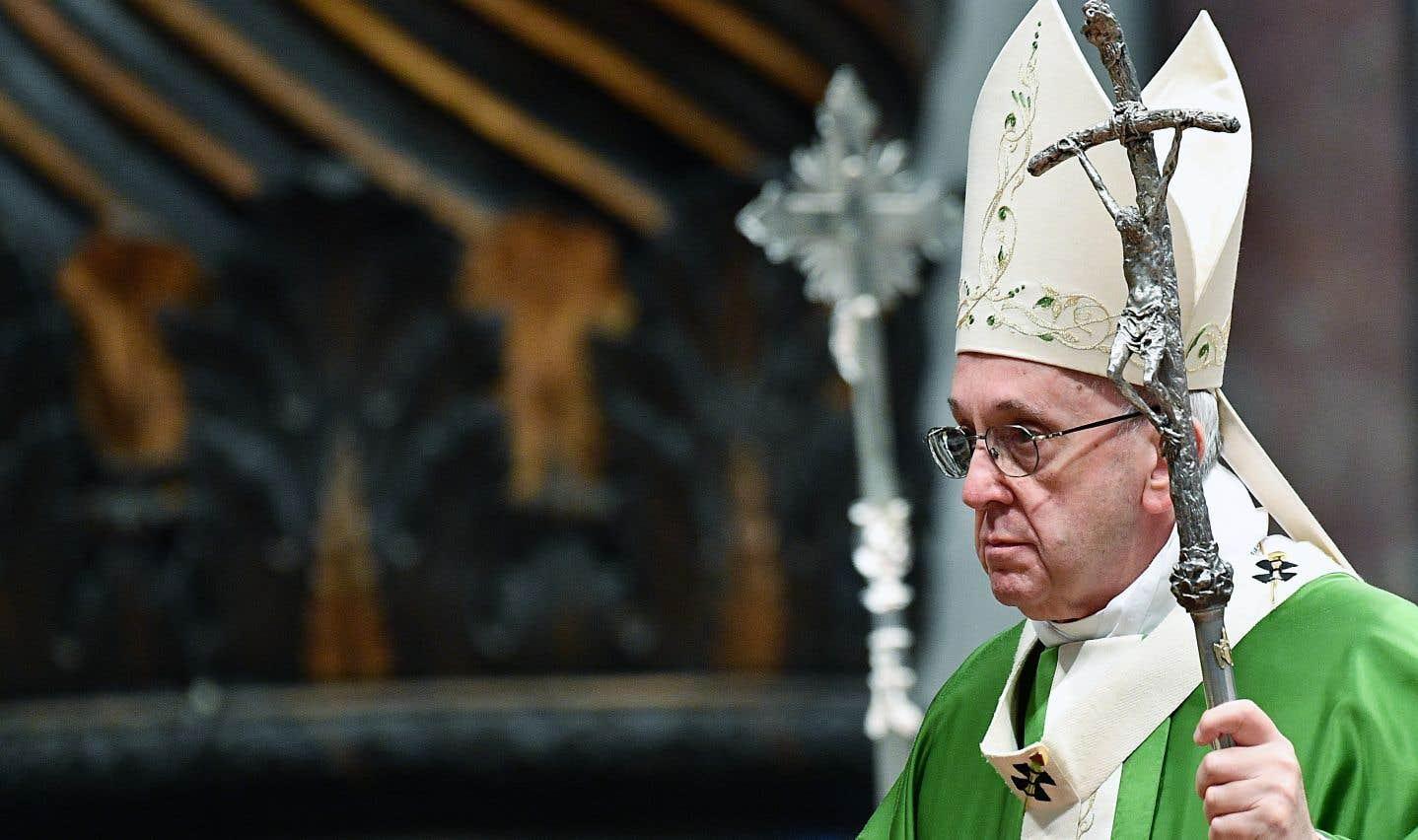 Le souverain pontife célébrait une messe à la basilique Saint-Pierre, dimanche, pour souligner la Journée mondiale du migrant et du réfugié.