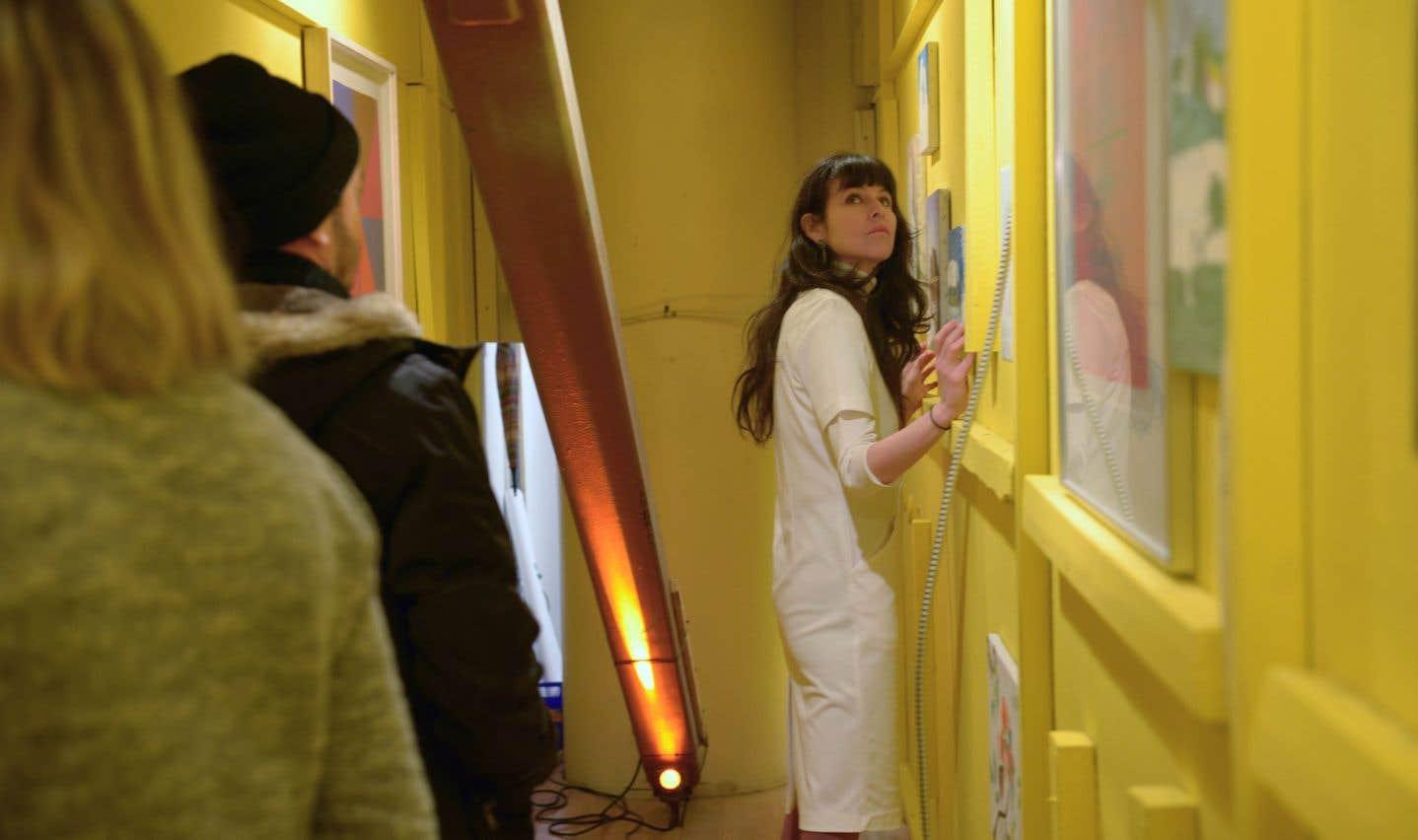 «OoS», une installation participative et hybride à la croisée de la performance, du théâtre, du cinéma, mais en galerie