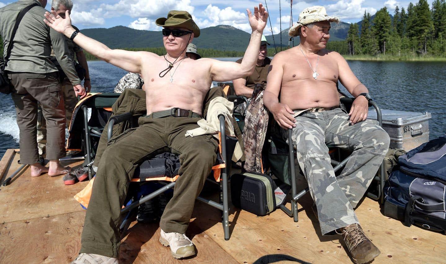 Vladimir Poutine et ses amis, ici à la pêche en Sibérie, intéressent le journaliste MikhailZygar qui a fait enquête sur «Les hommes du Kremlin».