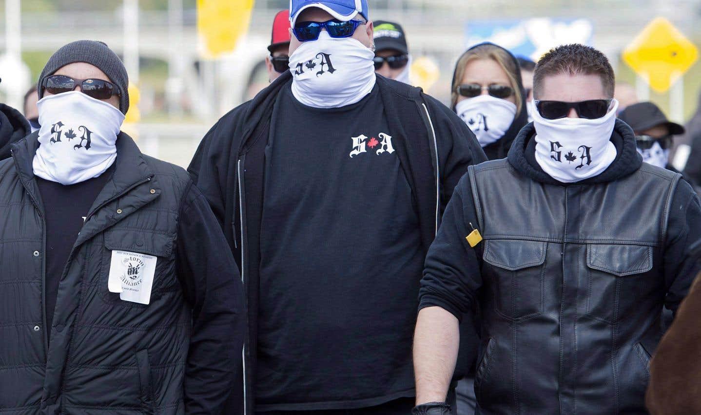 Les membres de Storm Alliance s'étaient donné rendez-vous à Lacolle afin de protester contre l'arrivée de demandeurs d'asile irréguliers.